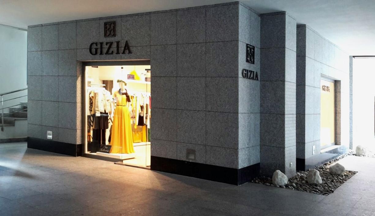 GIZIA SUNGATE