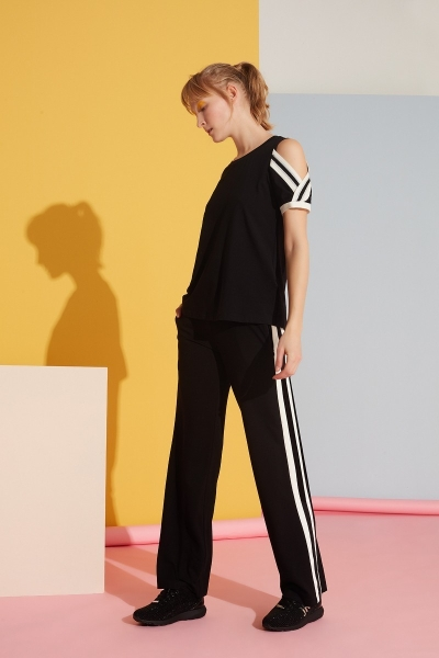 GIZIA SPORT - Beyaz Şerit Detaylı Siyah Spor Pantolon