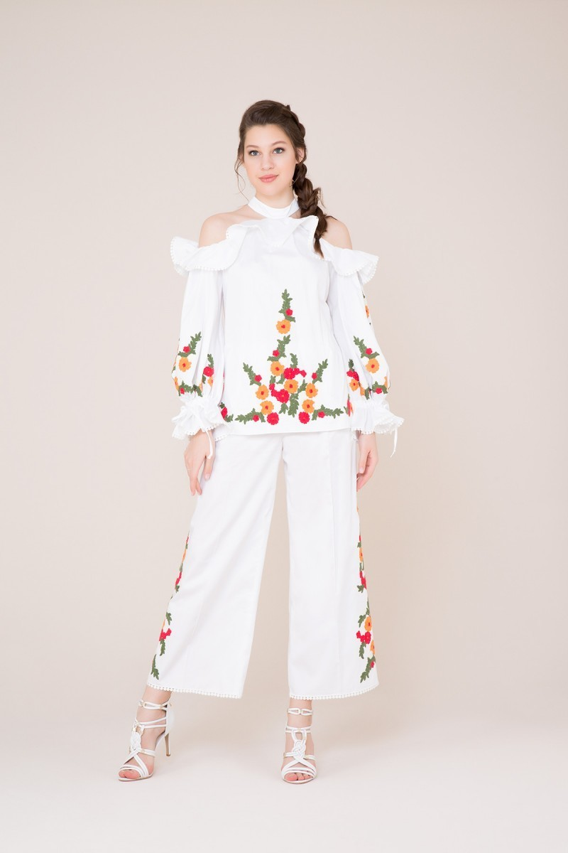 Çiçek Detaylı Beyaz Pantolon
