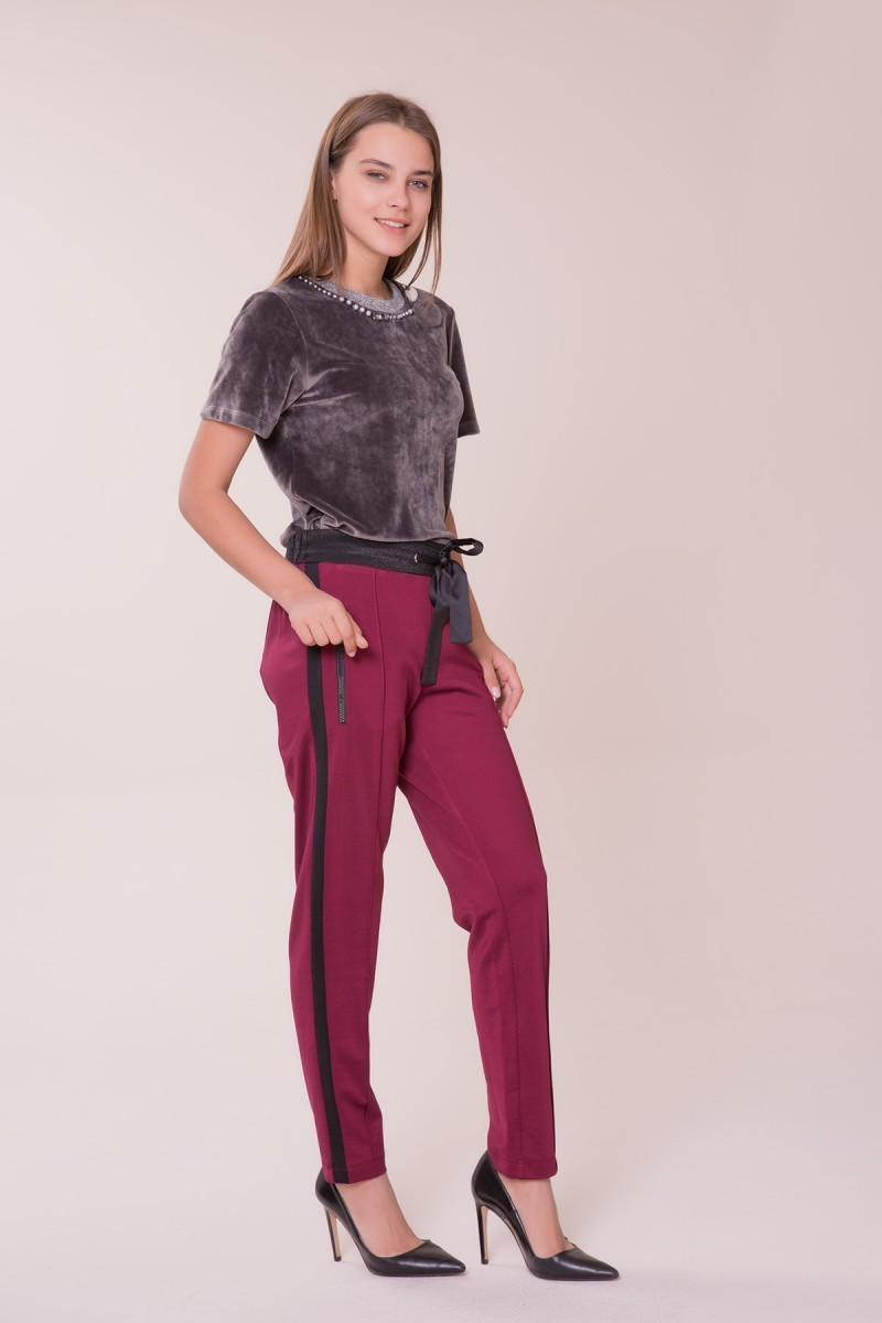 Siyah Şerit Detaylı Spor Pantolon