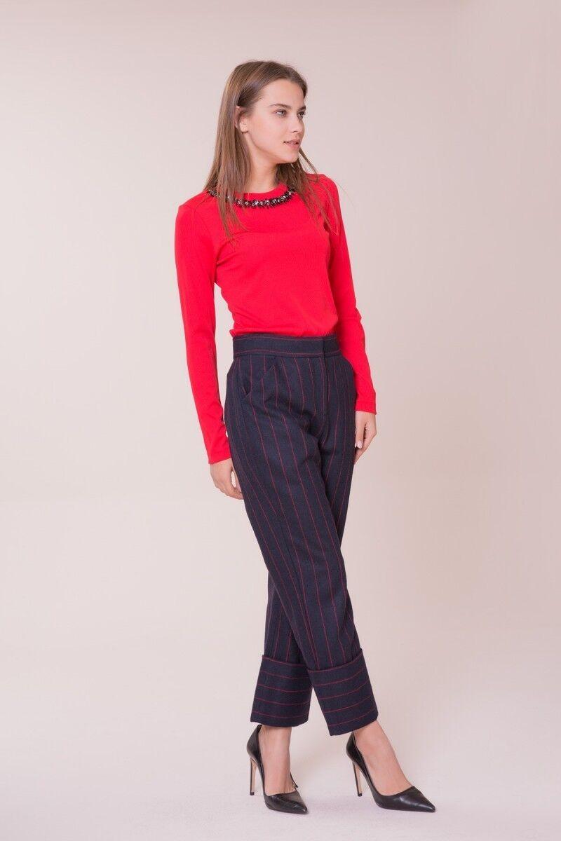 Kırmızı Çizgi Detaylı Pantolon