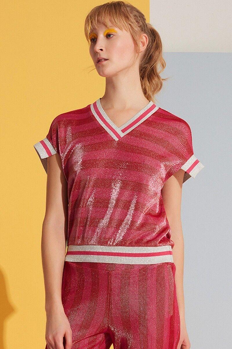 V Yaka Şerit Detaylı Kırmızı Bluz