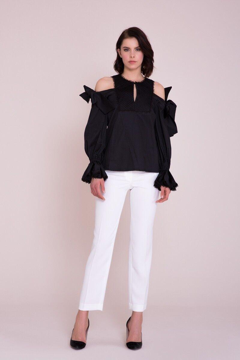 Omuz Detaylı Siyah Bluz
