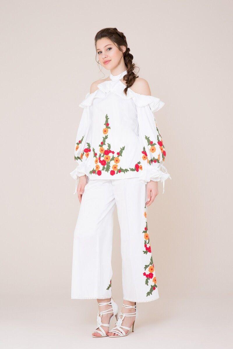 Nakış Detaylı Beyaz Bluz