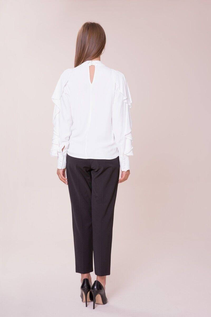 Kol ve Yaka Detaylı Bluz