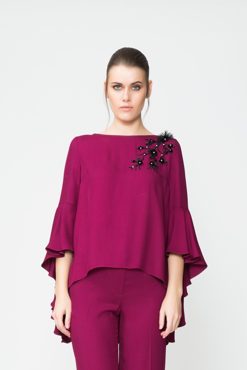 GIZIA - Frilly Sleeve Bead Embroidered Detail Blouse
