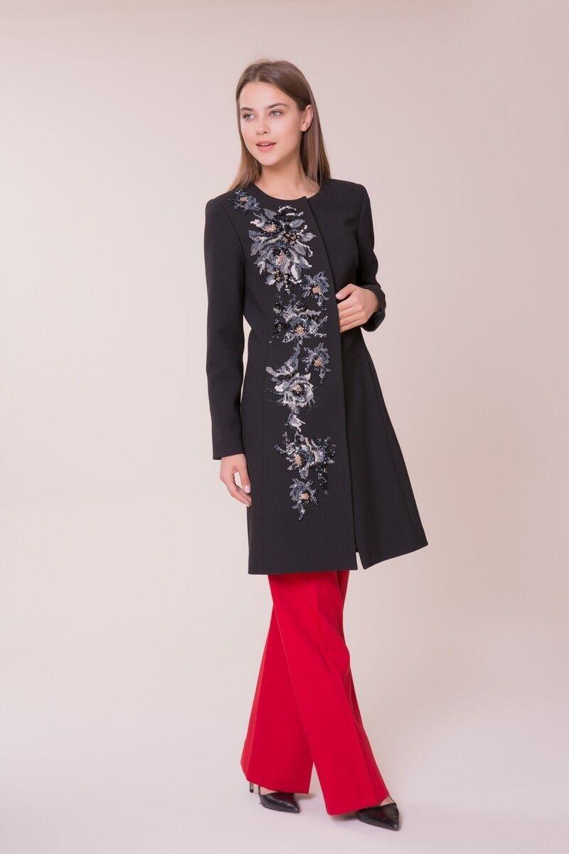 Nakış İşlemeli Siyah Palto