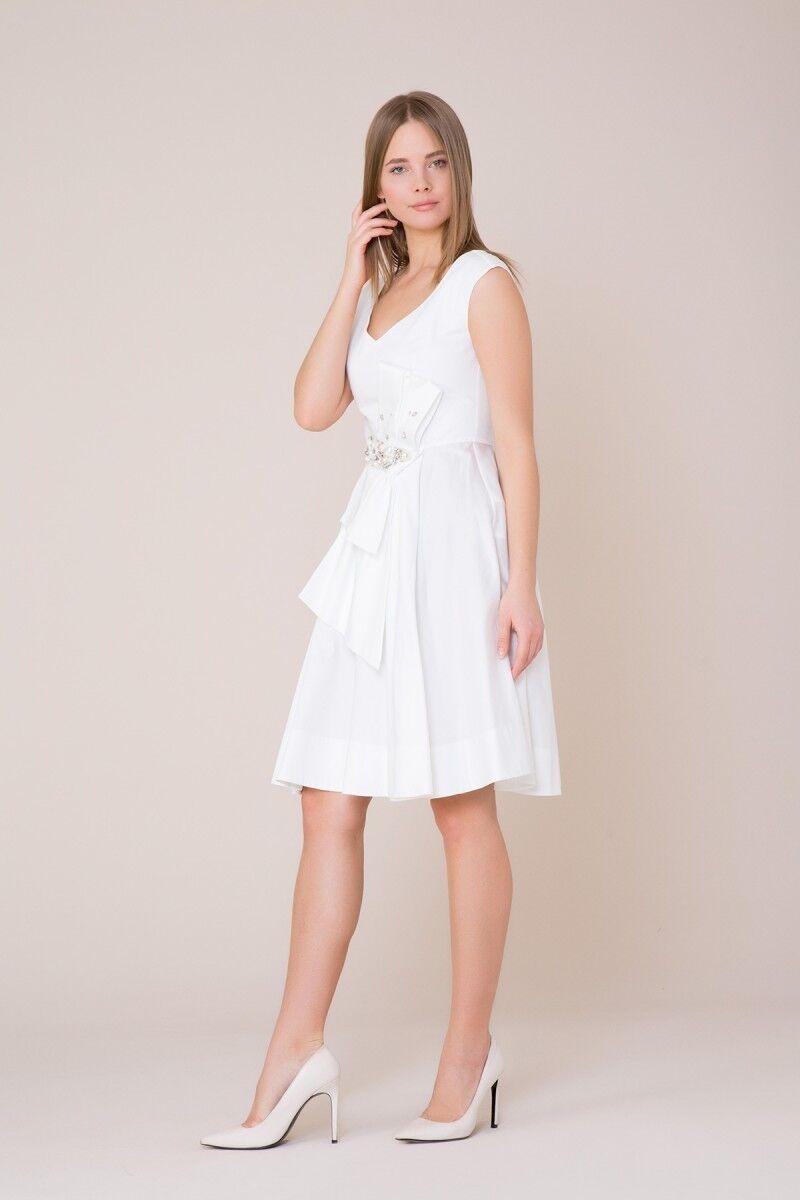 V Yaka Taş Detaylı Beyaz Elbise