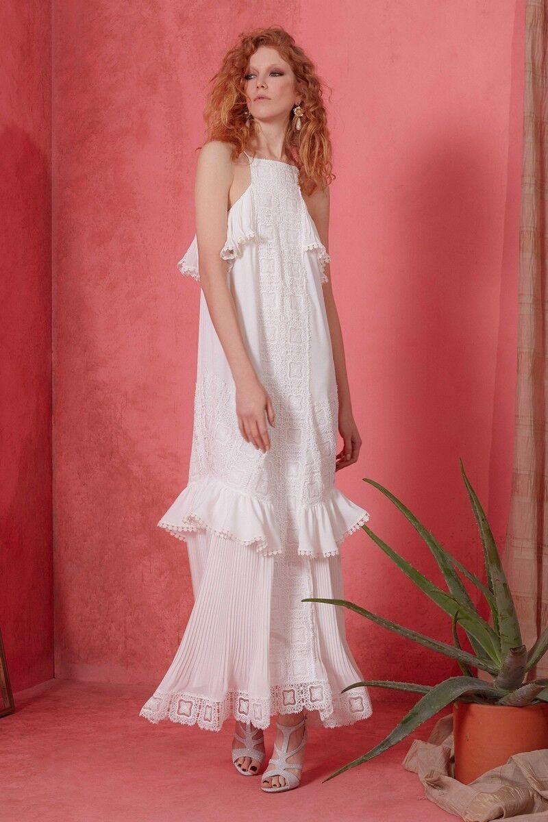 Güpür Detaylı Beyaz Uzun Elbise