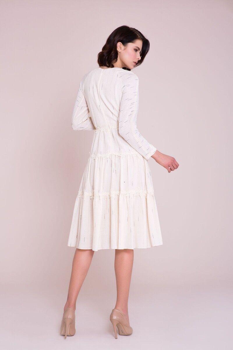 Aplike Detaylı Midi Elbise