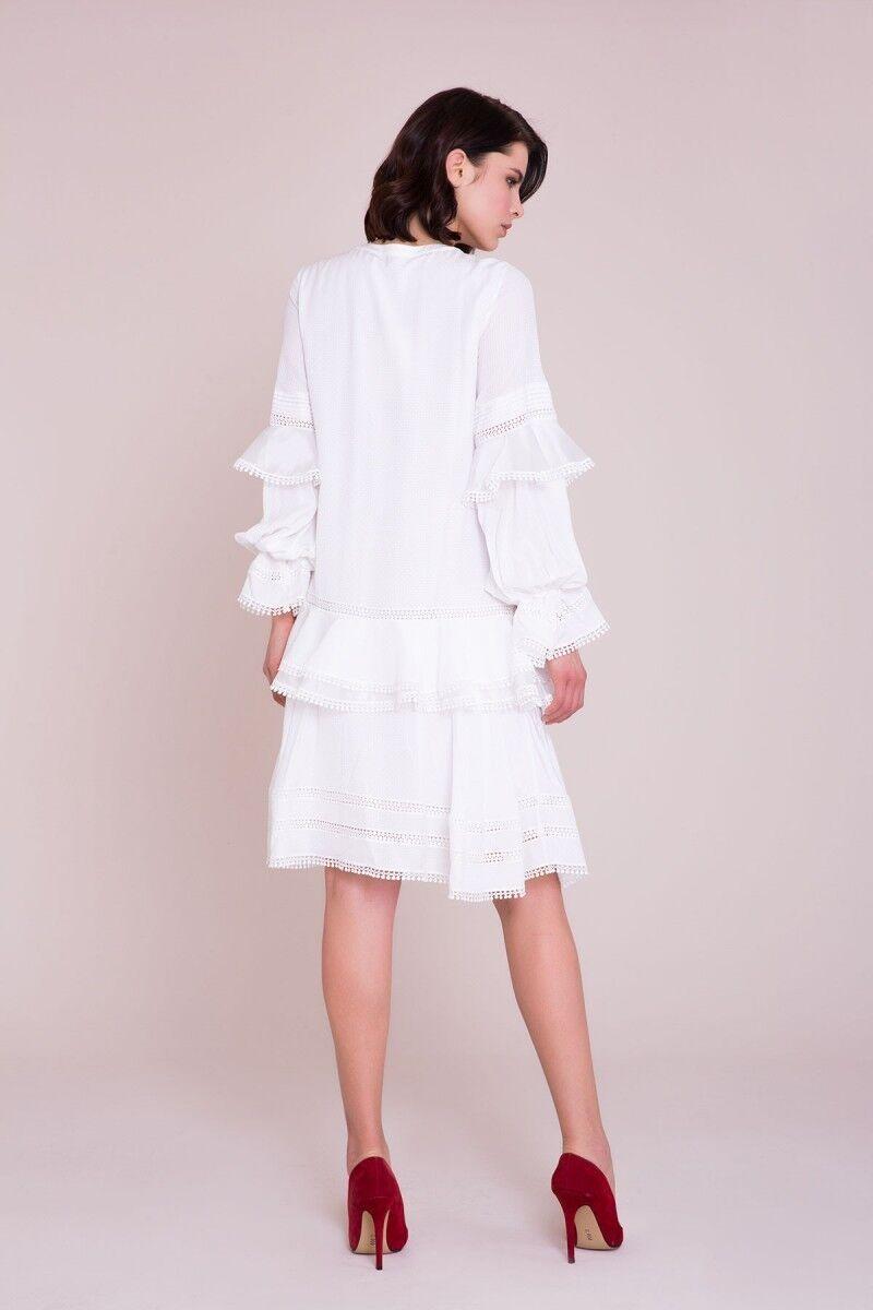 Güpür Detaylı Beyaz Elbise