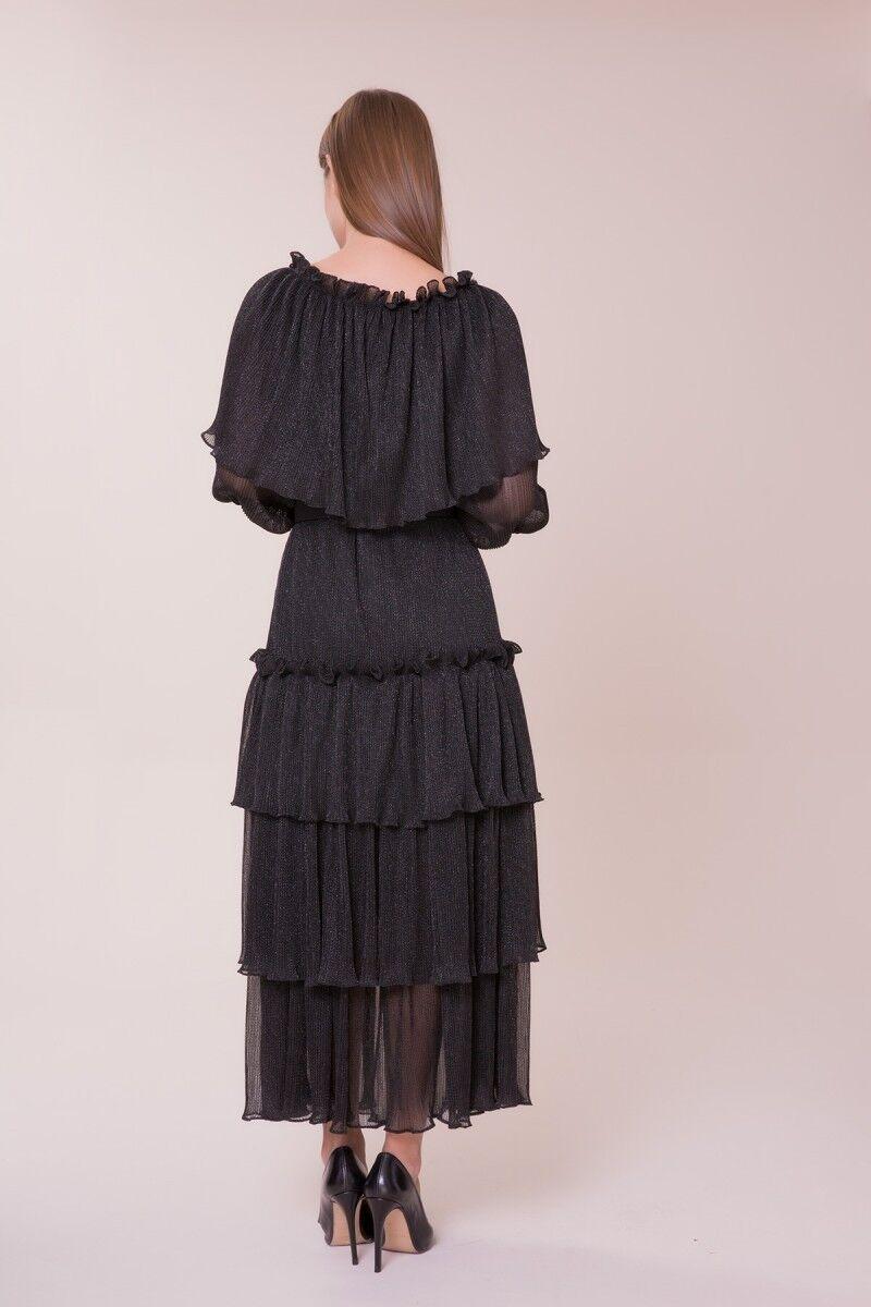V Yaka Taş Detaylı Elbise