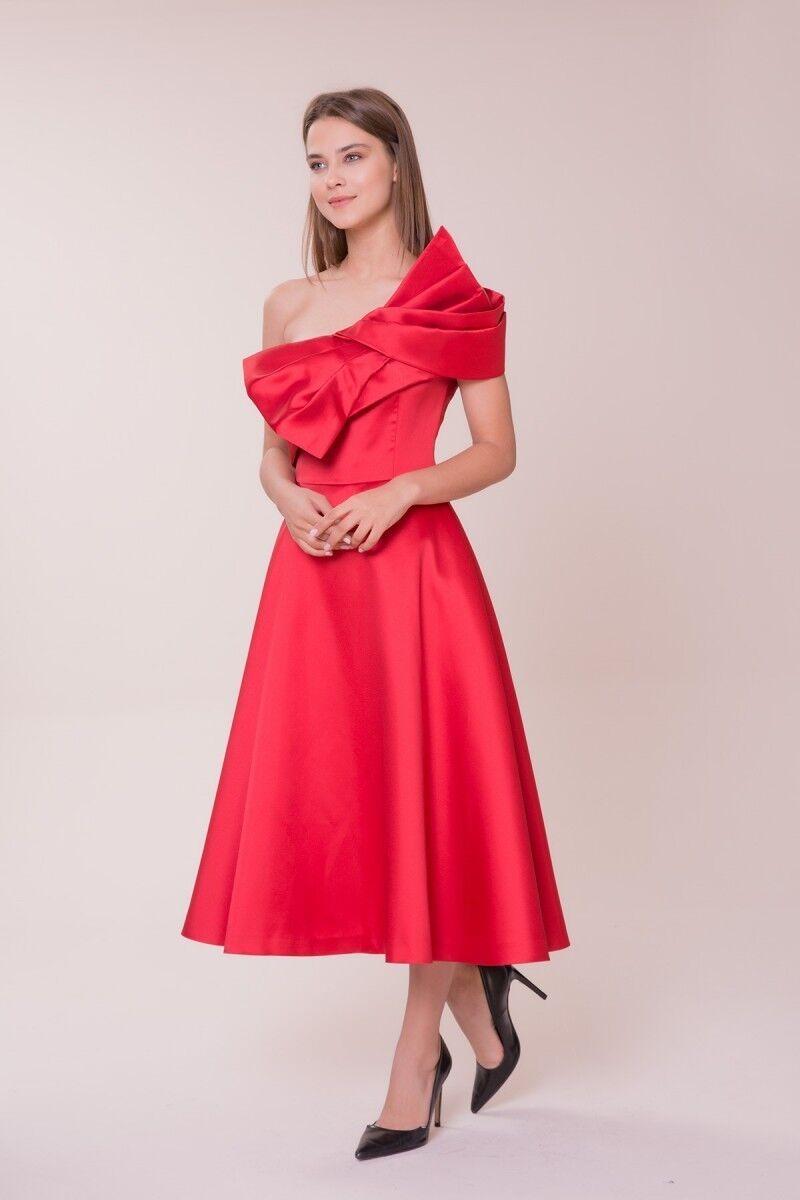 Kurdele Detaylı Kırmızı Midi Elbise