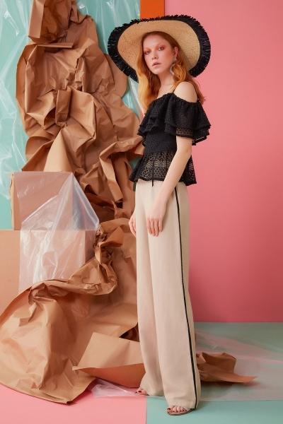 GIZIA CASUAL - Siyah Şerit Detaylı Bej Pantolon