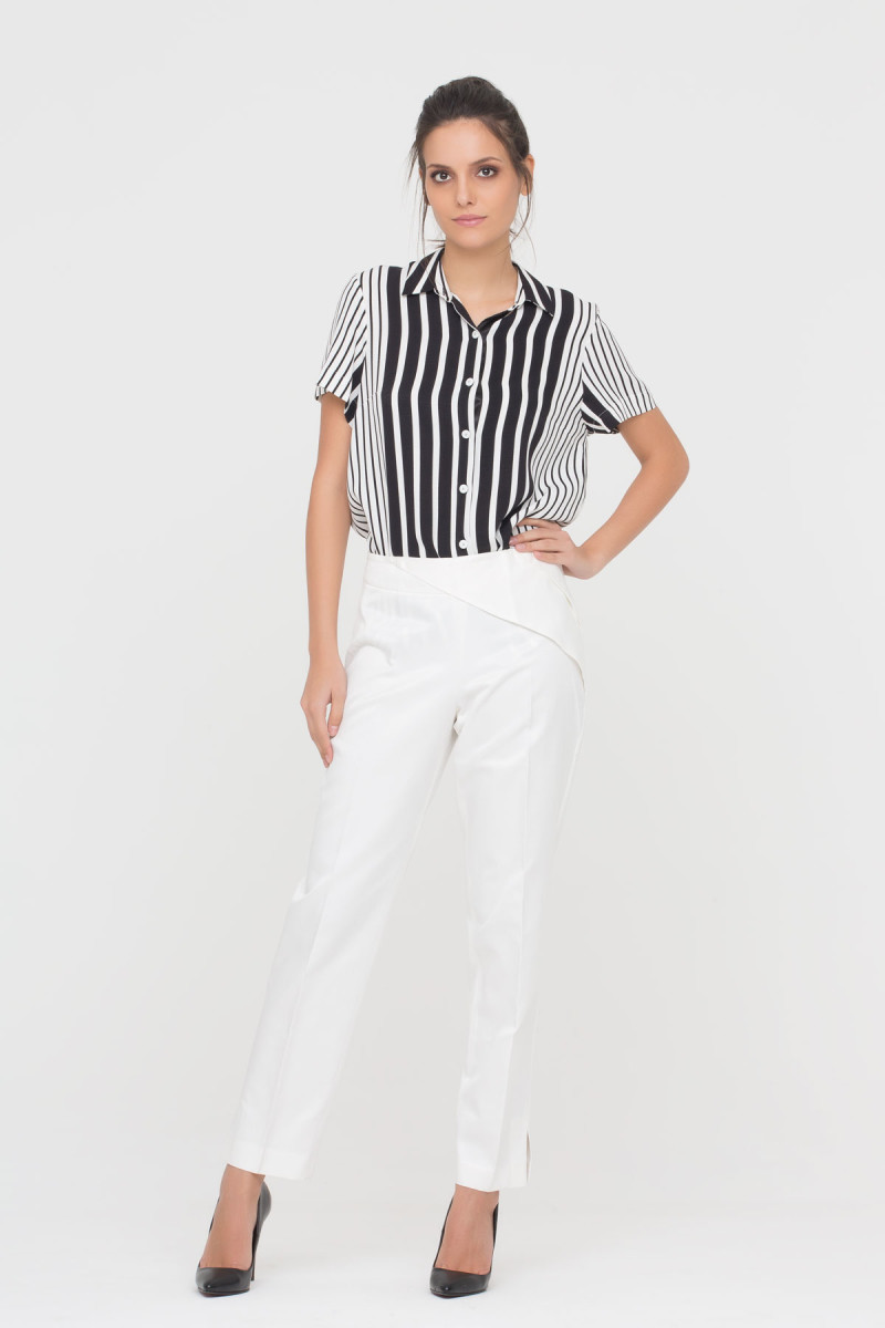 GIZIA CASUAL - Pencil Trousers In Ecru