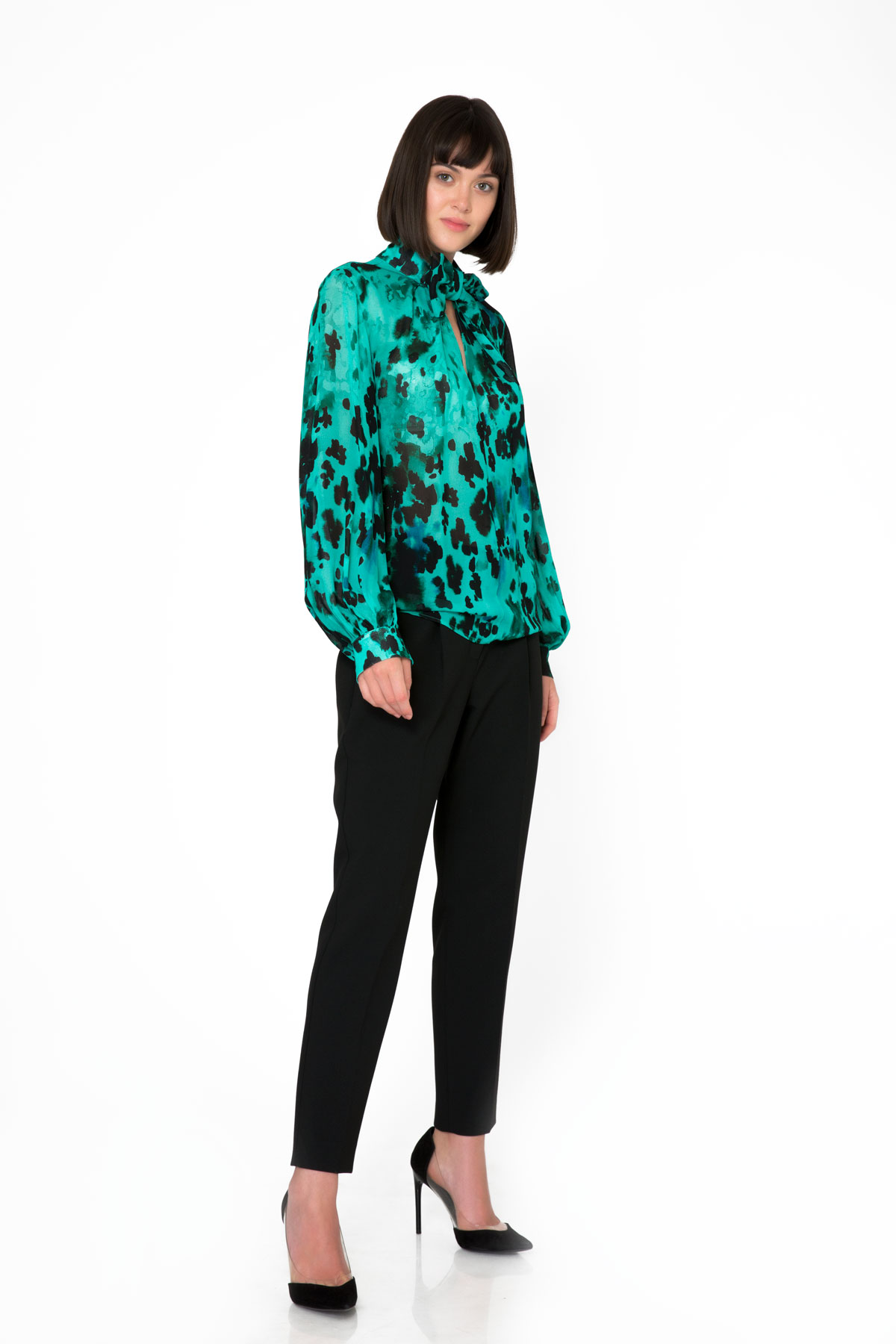 Bow Tie Detailed Leopard Patterned Green Blouse