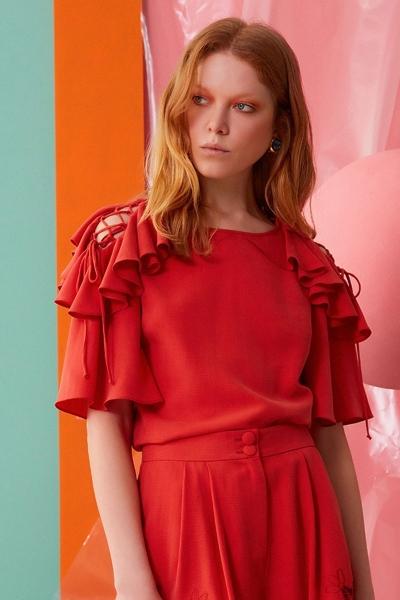 GIZIA CASUAL - Omuz Fırfır ve İp Detaylı Mercan Rengi Bluz
