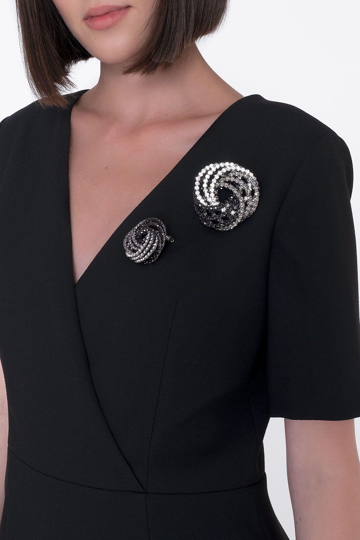Brooch Detailed V Neck Black Long Dress