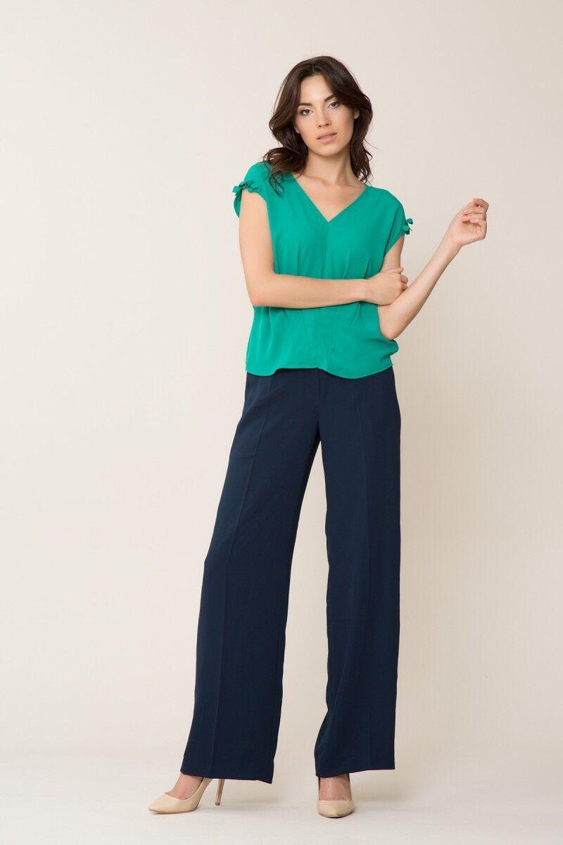GIZIA CASUAL - Çiçek Detaylı V Yaka Yeşil Bluz