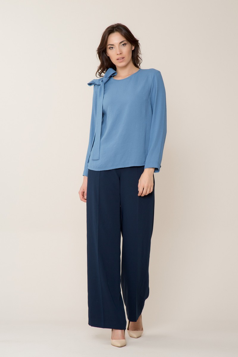 Uzun Kollu Mavi Bluz