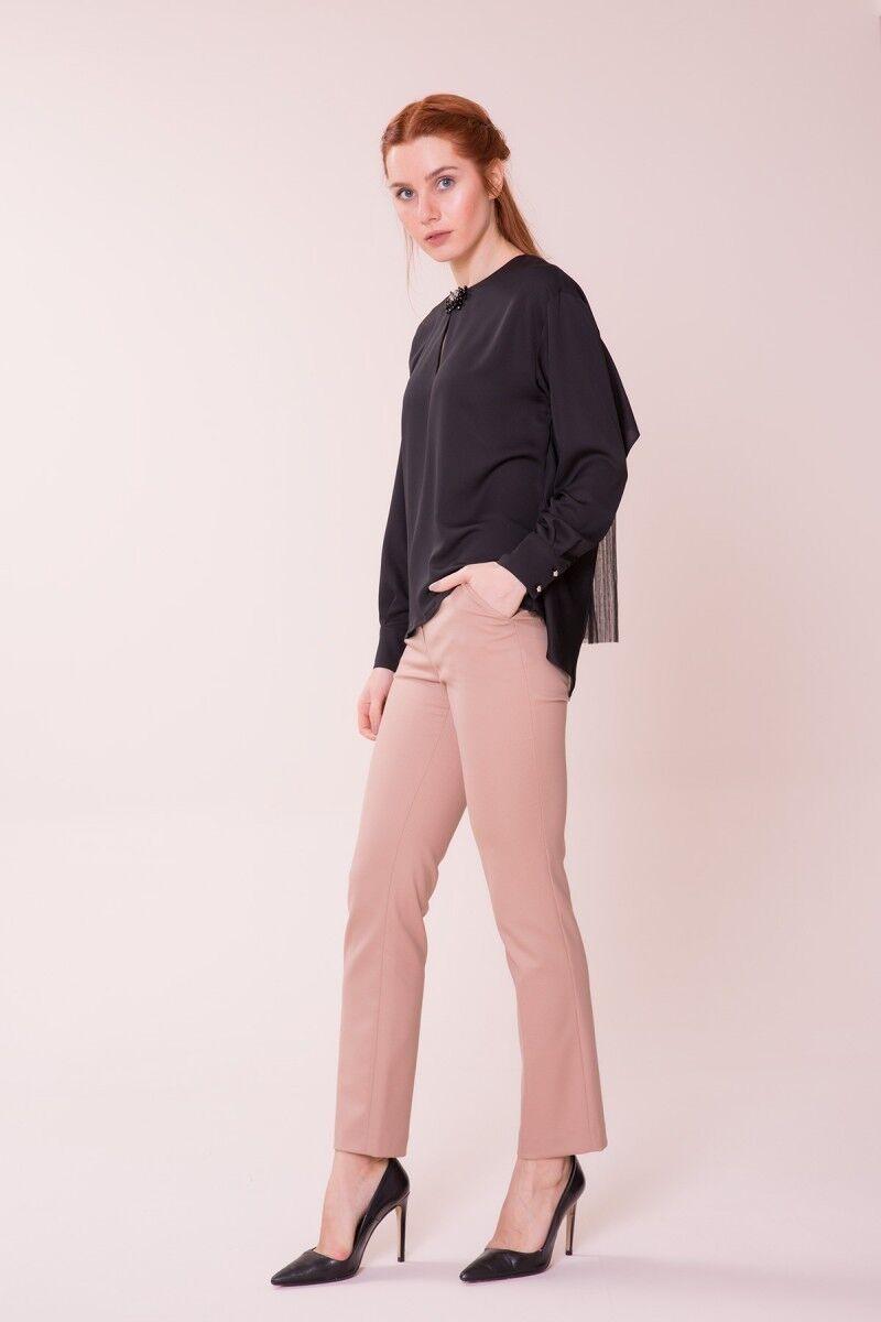 Yaka Detaylı Siyah Bluz