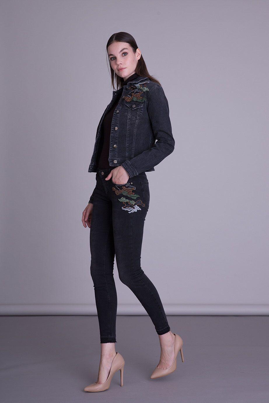 Cep İşlemeli Dar Kesim Siyah Jean Pantolon