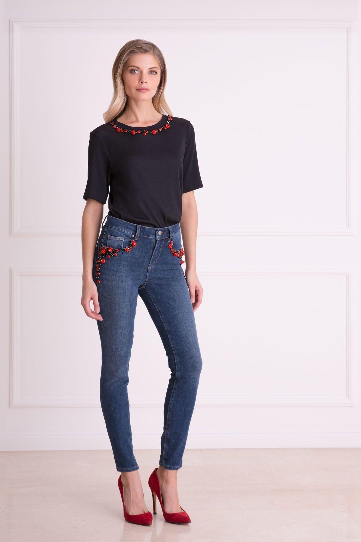 Cep İşlemeli Mavi Dar Kesim Jean Pantolon