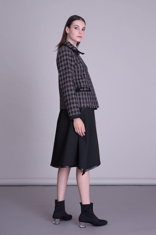 Cepleri Taş İşlemeli Siyah Kumaş Ceket