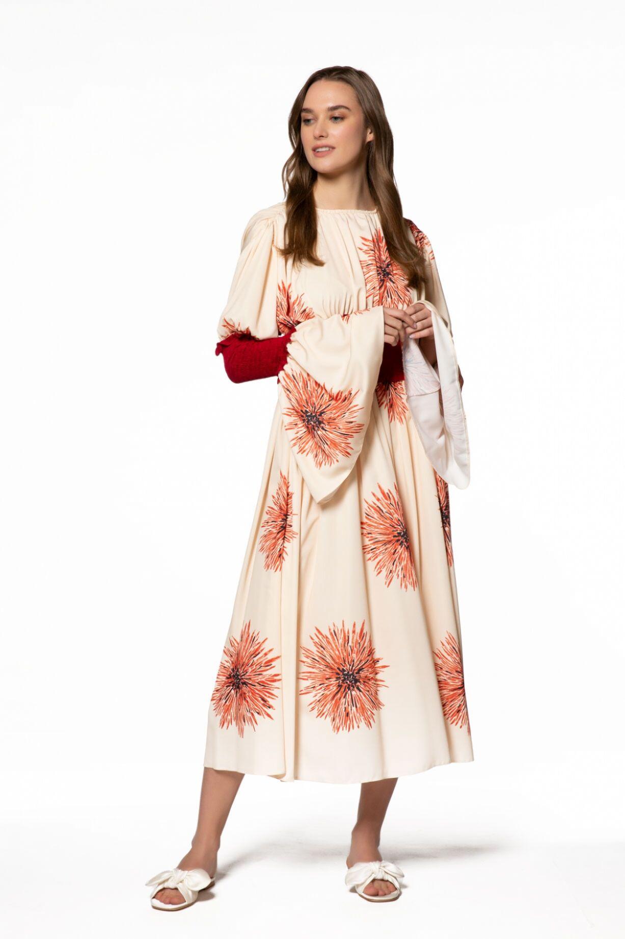 Çiçek Desenli Kol Detaylı Elbise
