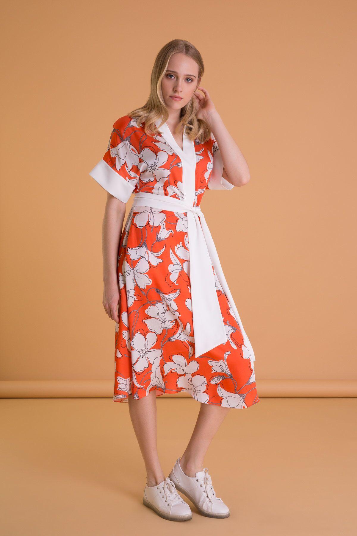 Çiçek Desenli Turuncu Midi Kloş Elbise