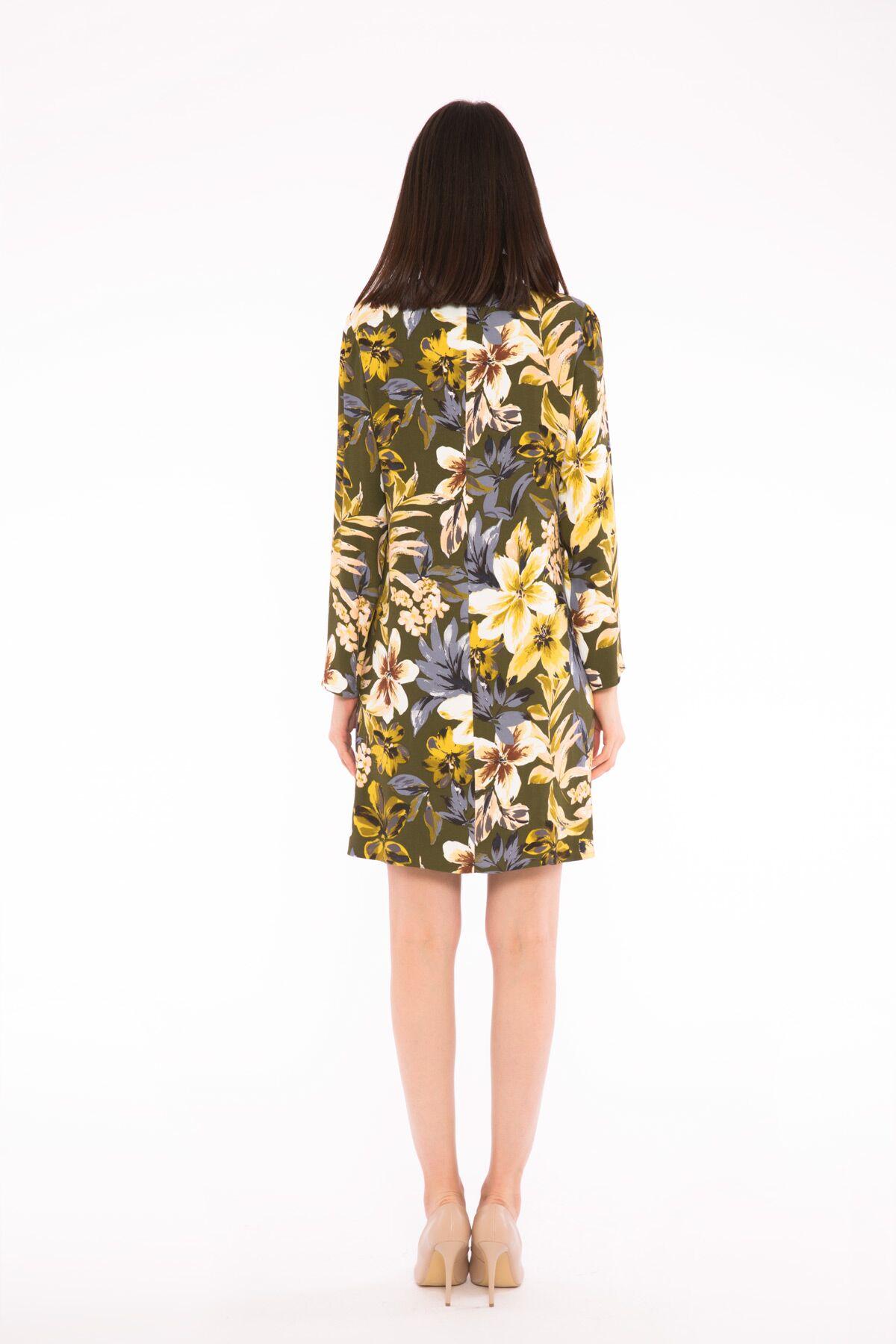Çiçek Desenli Kutu Elbise