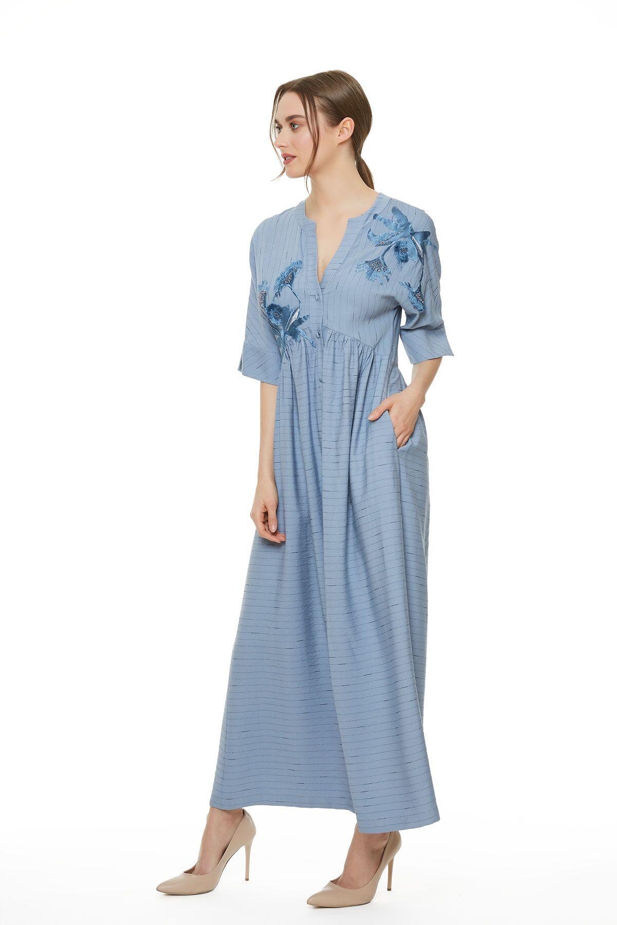 Çizgi Desenli Nakış Ve İşleme Detaylı Mavi Elbise