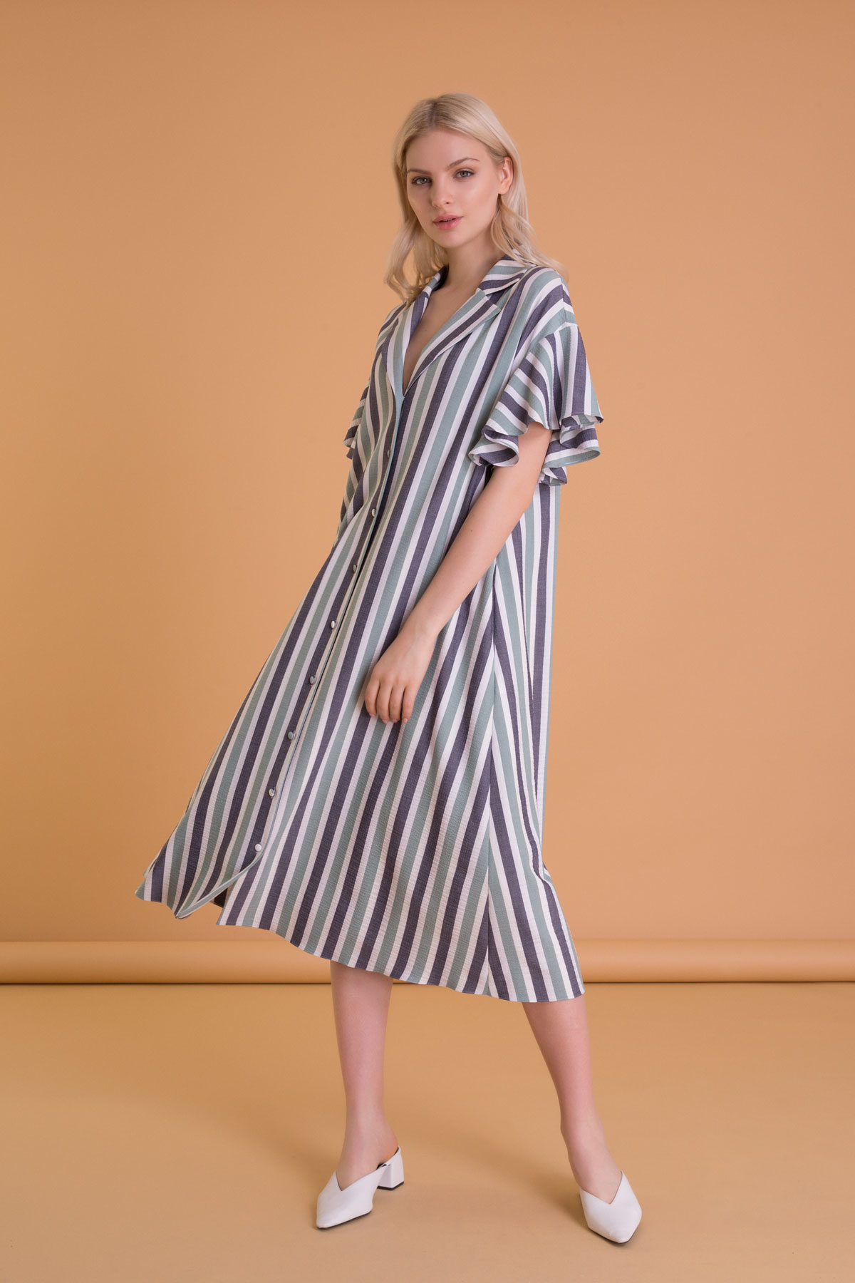Çizgi Detaylı Volan Kollu Kontrast Renkli Elbise
