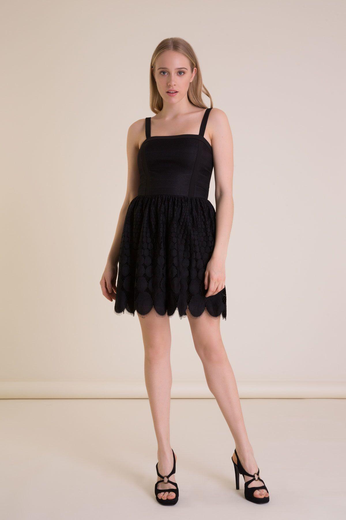 Dantel Detaylı Askılı Siyah Mini Elbise