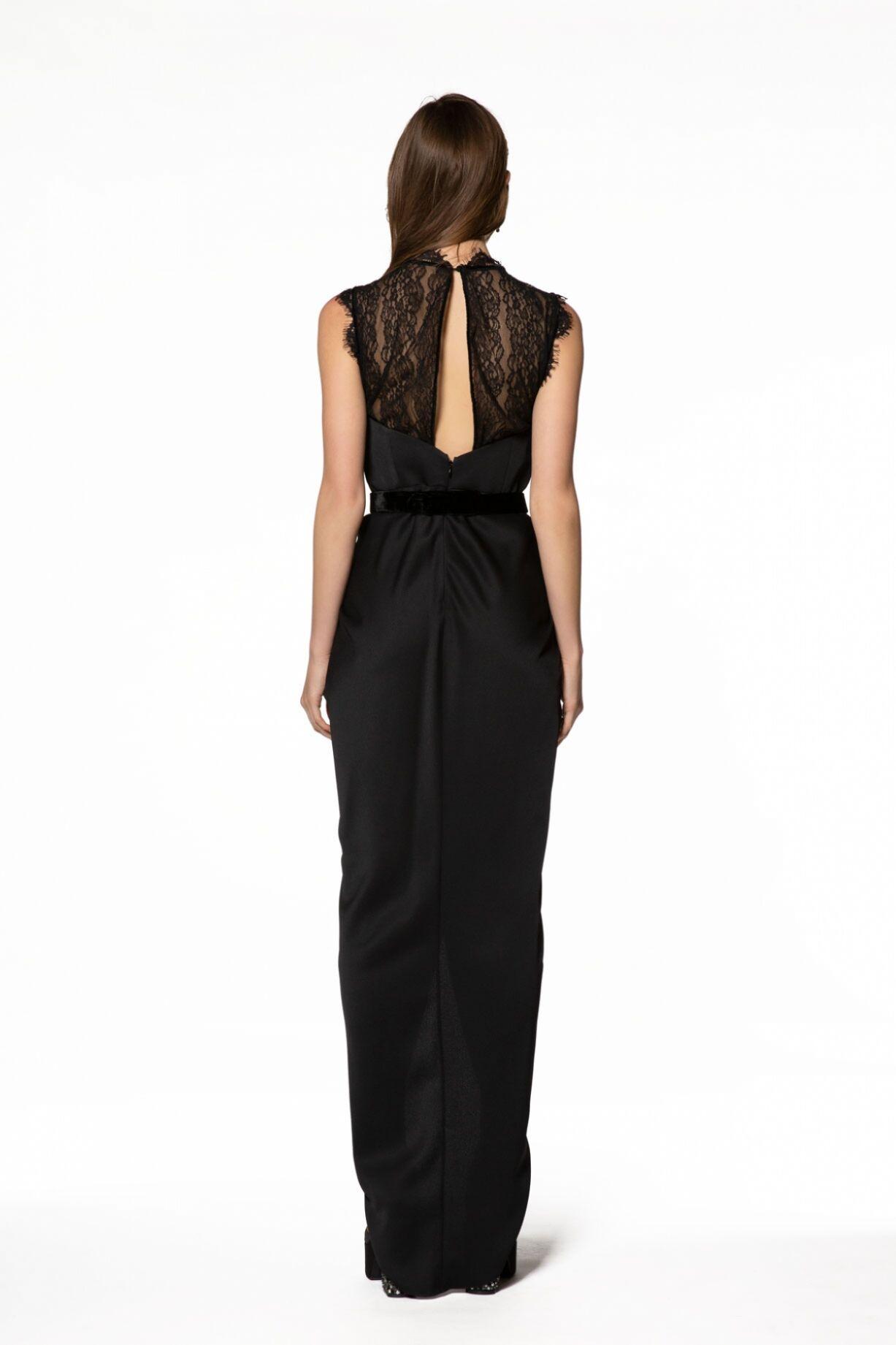 Dantel Detaylı Uzun Siyah Elbise