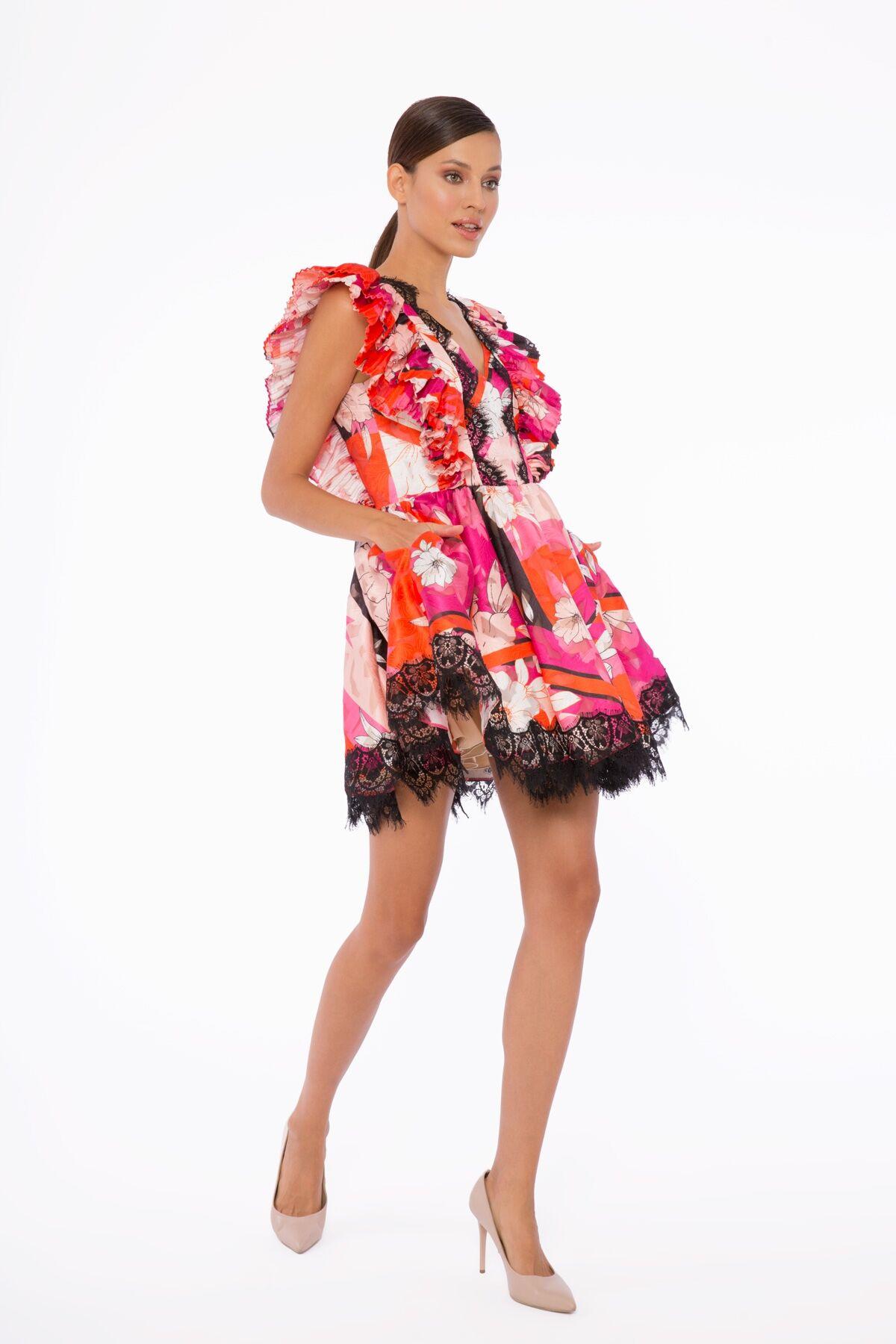 Dantel Detaylı Volanlı Mini Elbise