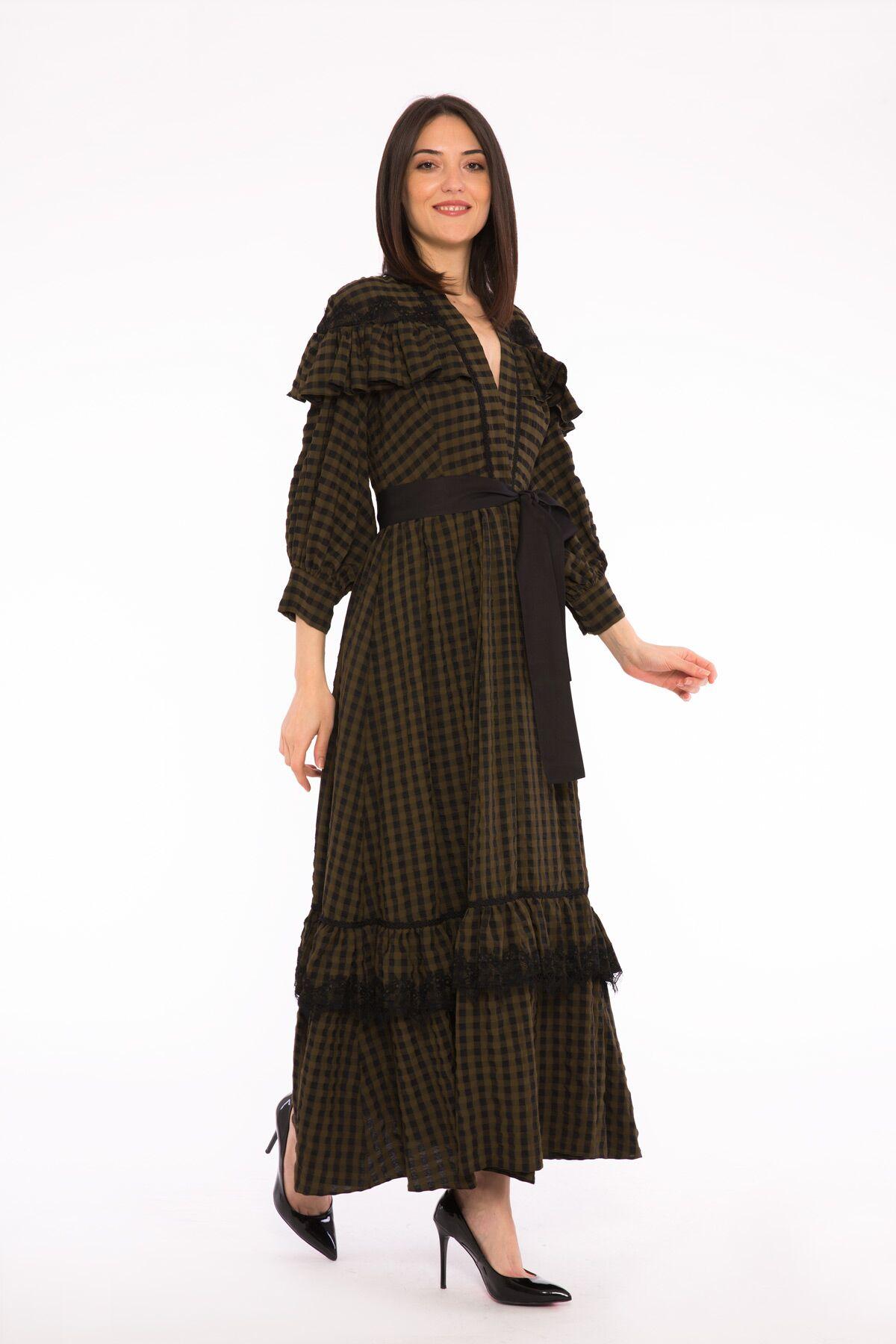 Dantel, Fırfır Detaylı, Kemerli Ekose Büzgülü Maxi Elbise