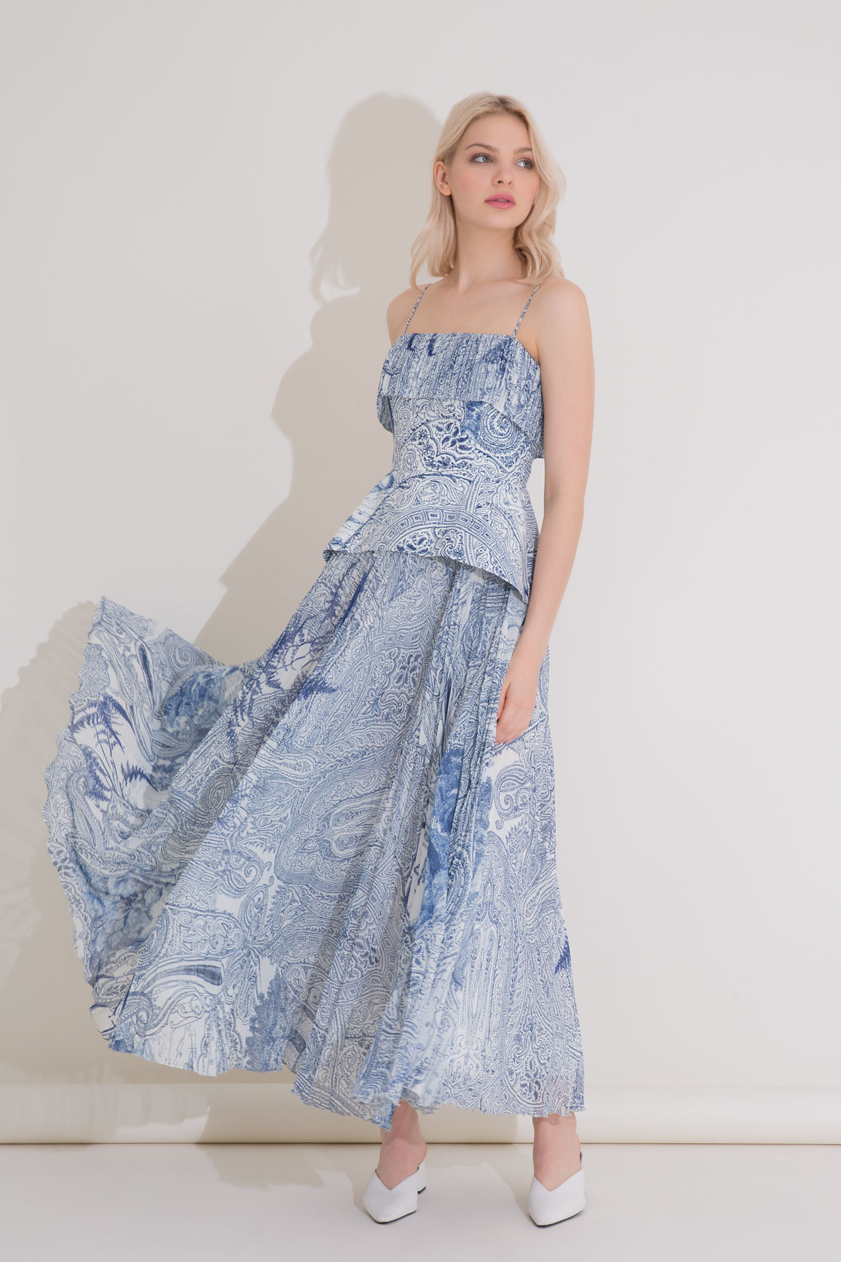 Desenli Piliseli Mavi Uzun Askılı Elbise