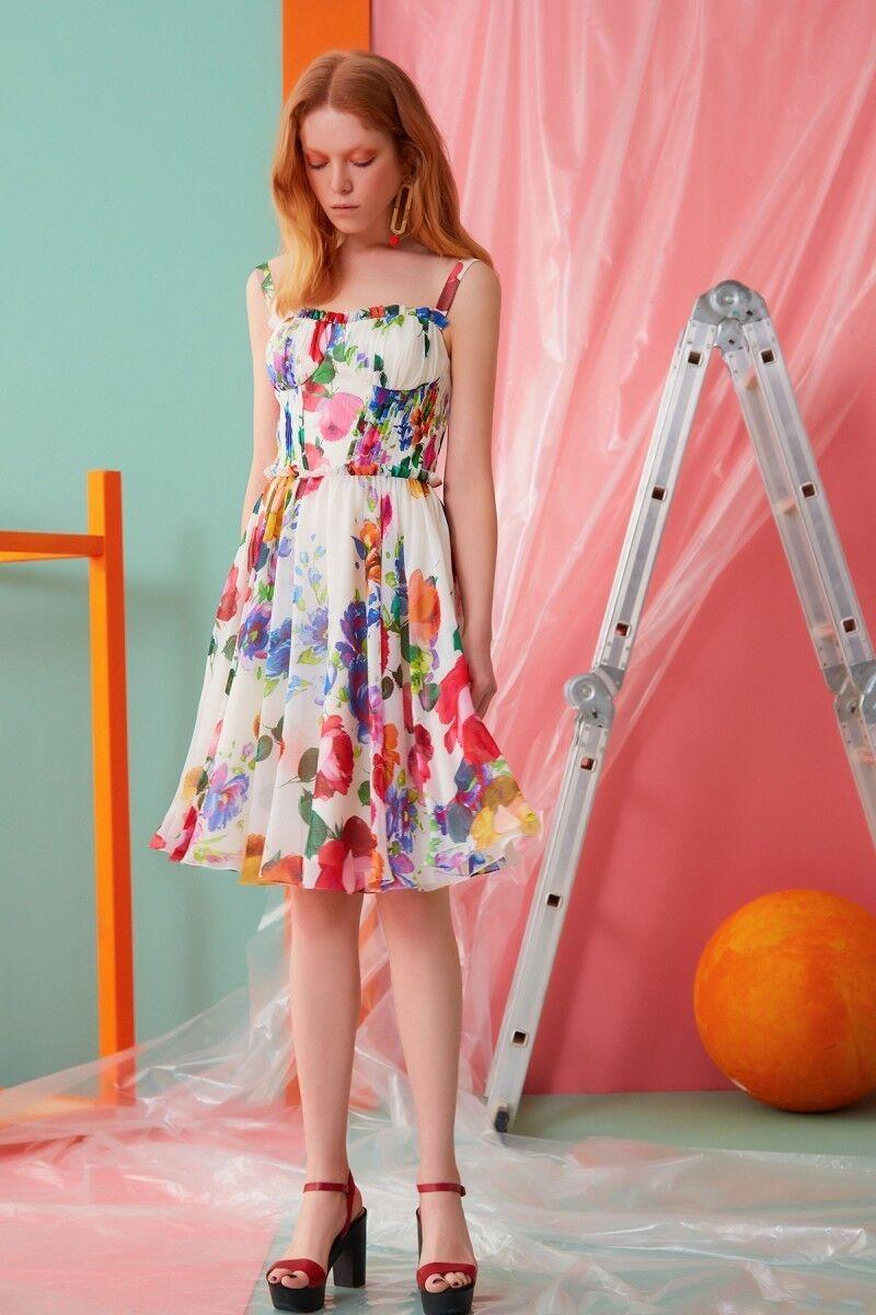 Kalın Askılı Çiçek Desenli Elbise