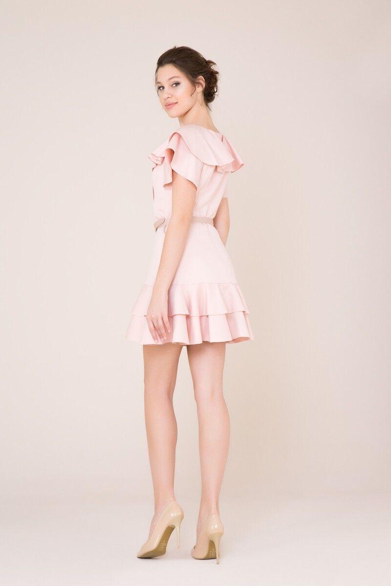 Fırfır ve Kemer Detaylı Açık Pudra Mini Elbise