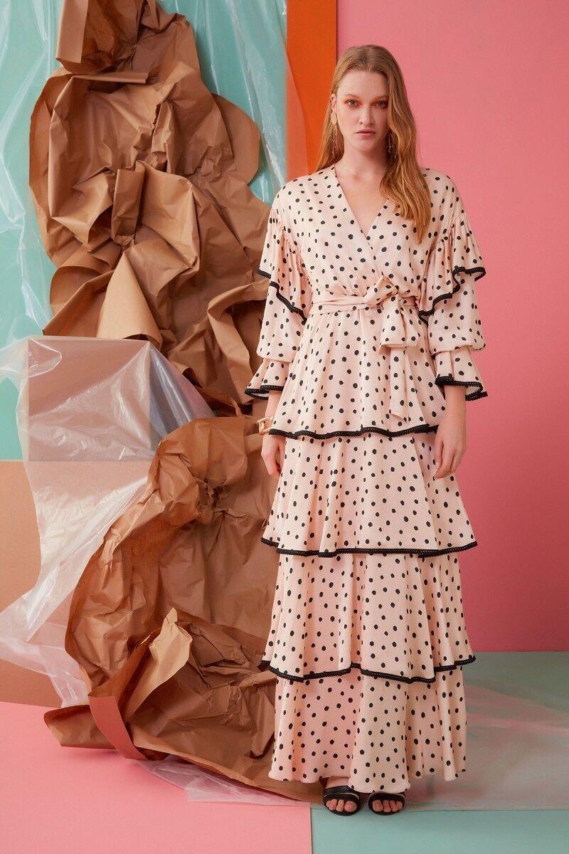 V Yaka Fırfır ve Kuşak Detaylı Elbise
