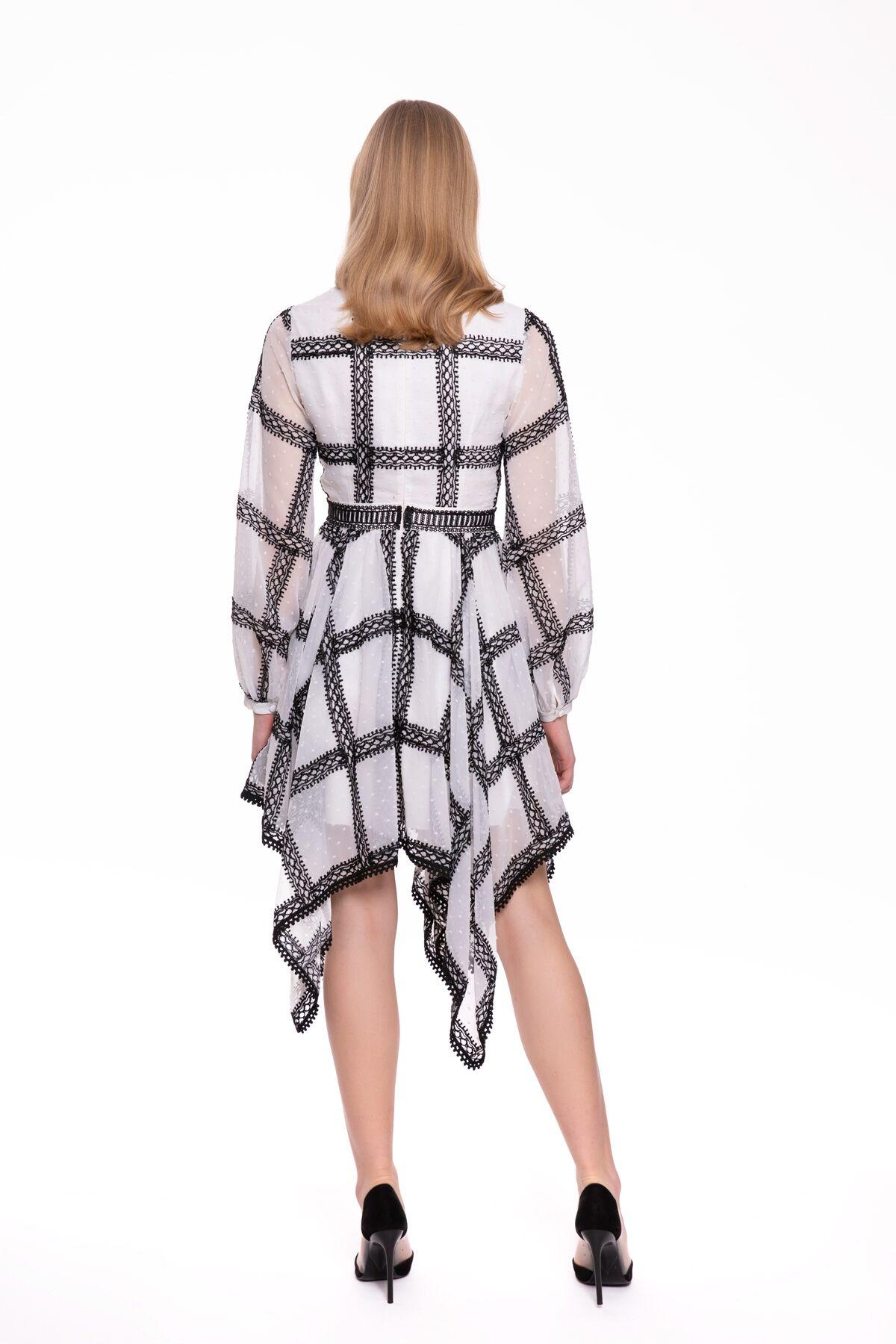 Etek Uçları Simetrik Kesim Bağlama Yaka Elbise