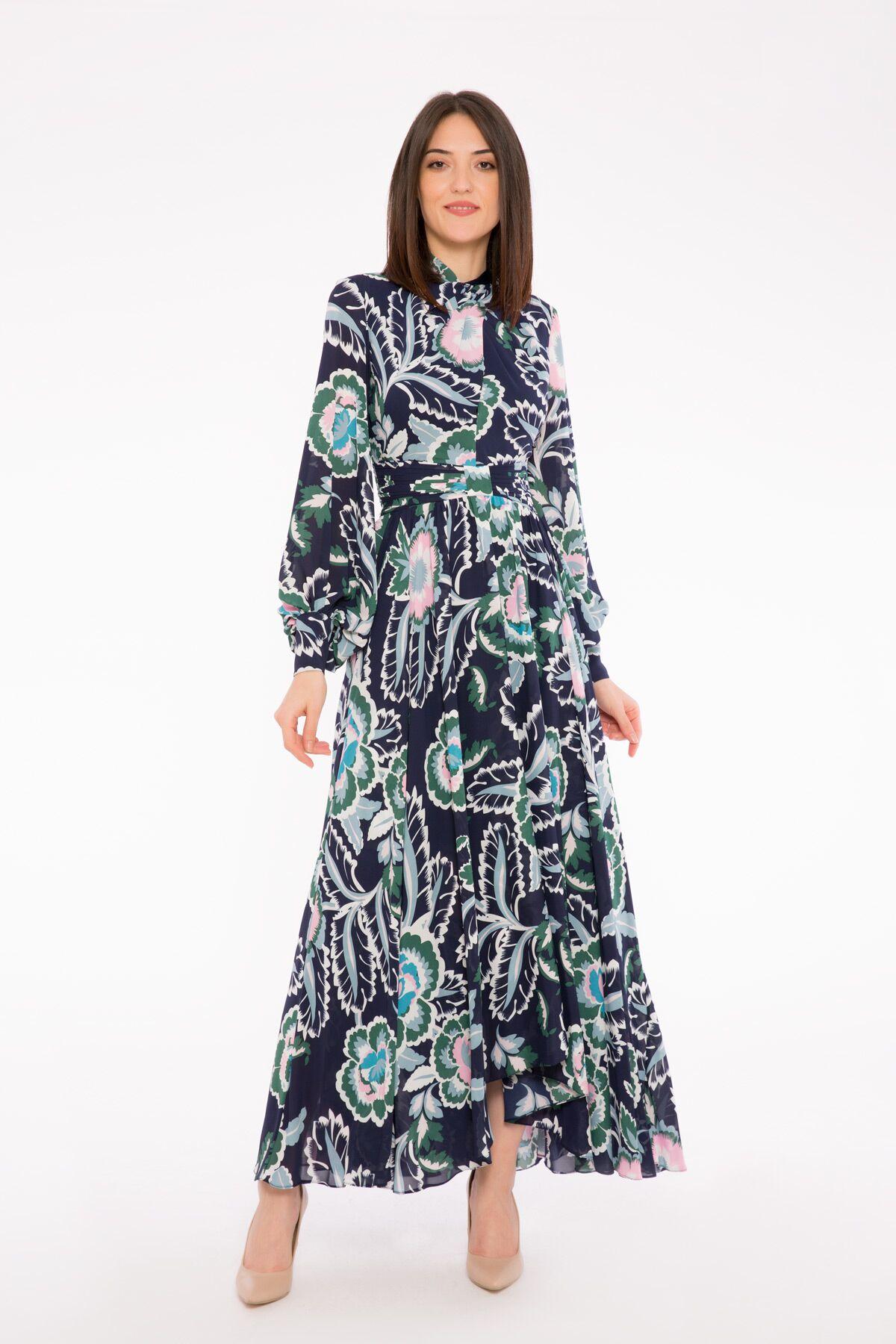 Etnik Desenli Uzun Çiçek Elbise