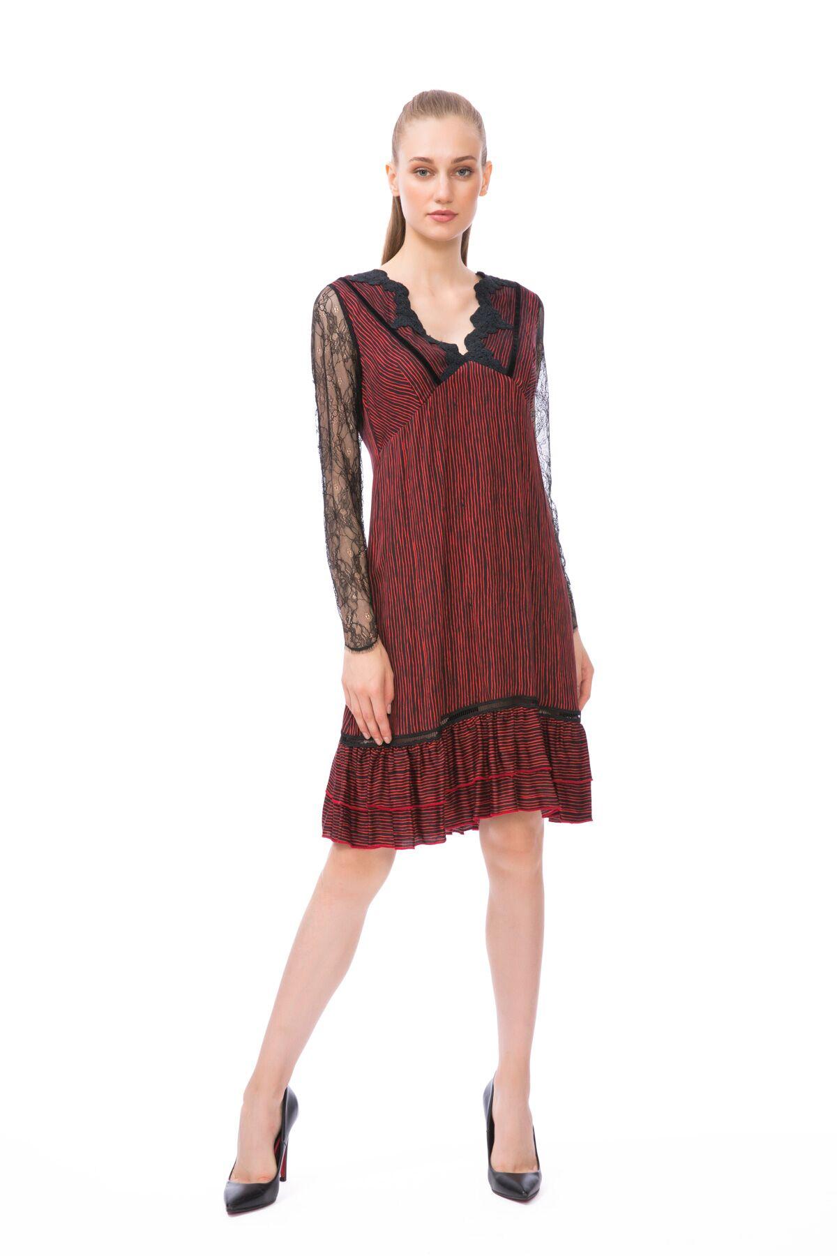 Kolları Tül Detaylı Midi Elbise