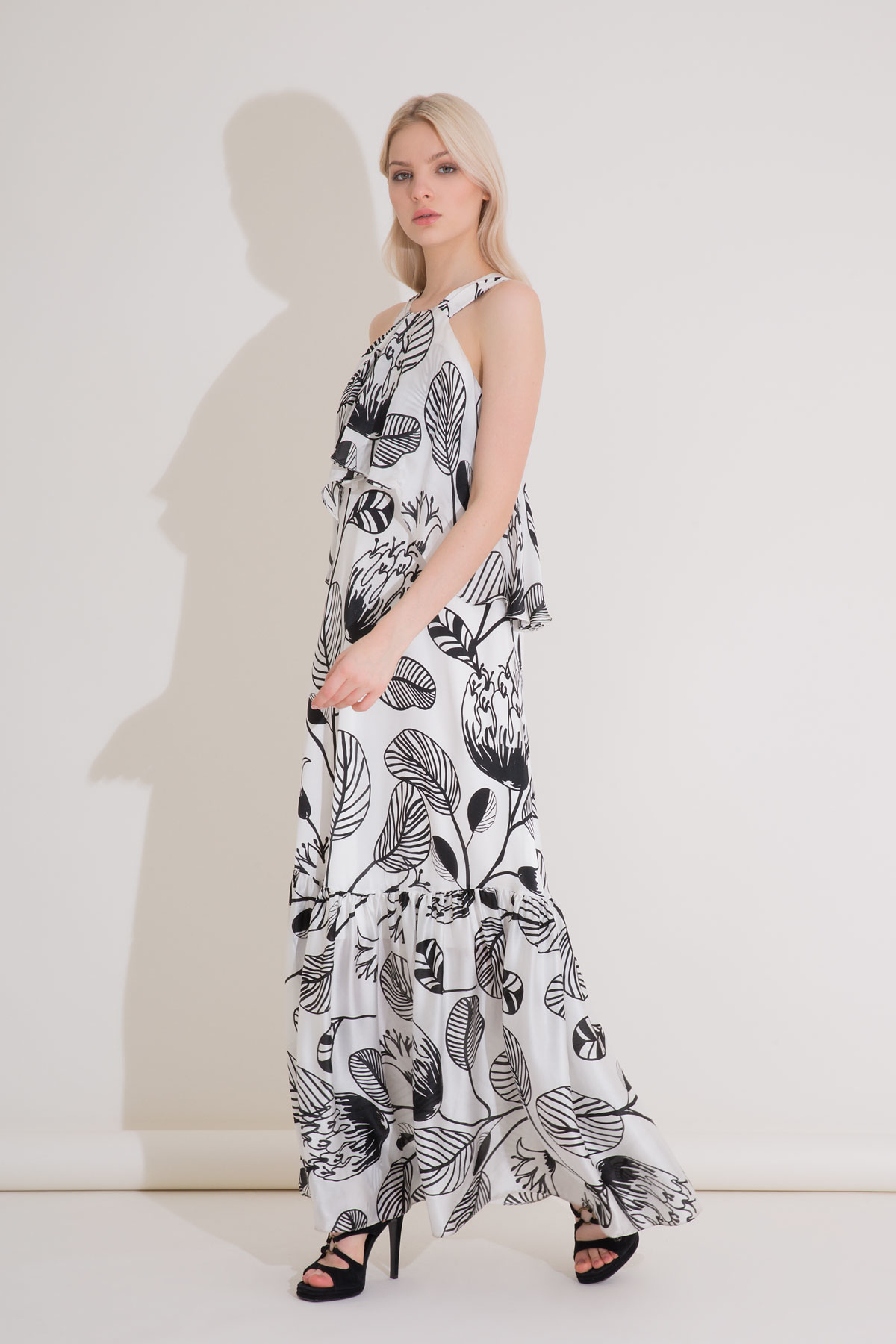 Fırfır Detaylı Desenli Uzun Ekru İpekli Elbise