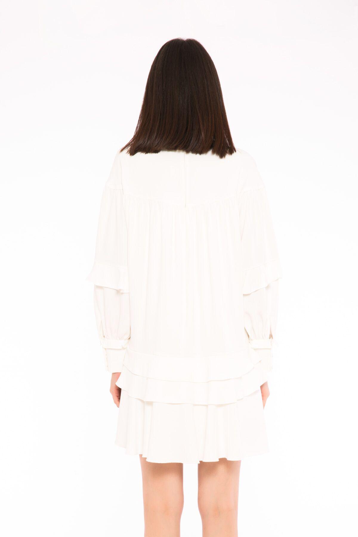 Fırfır Detaylı Dik Yaka Elbise