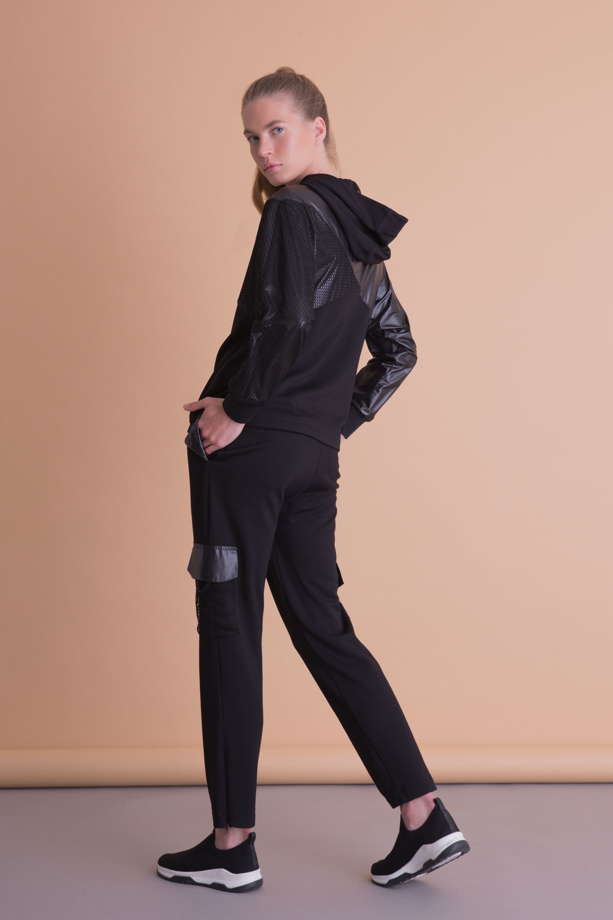 Garnili Siyah Kapüşonlu Sweatshirt