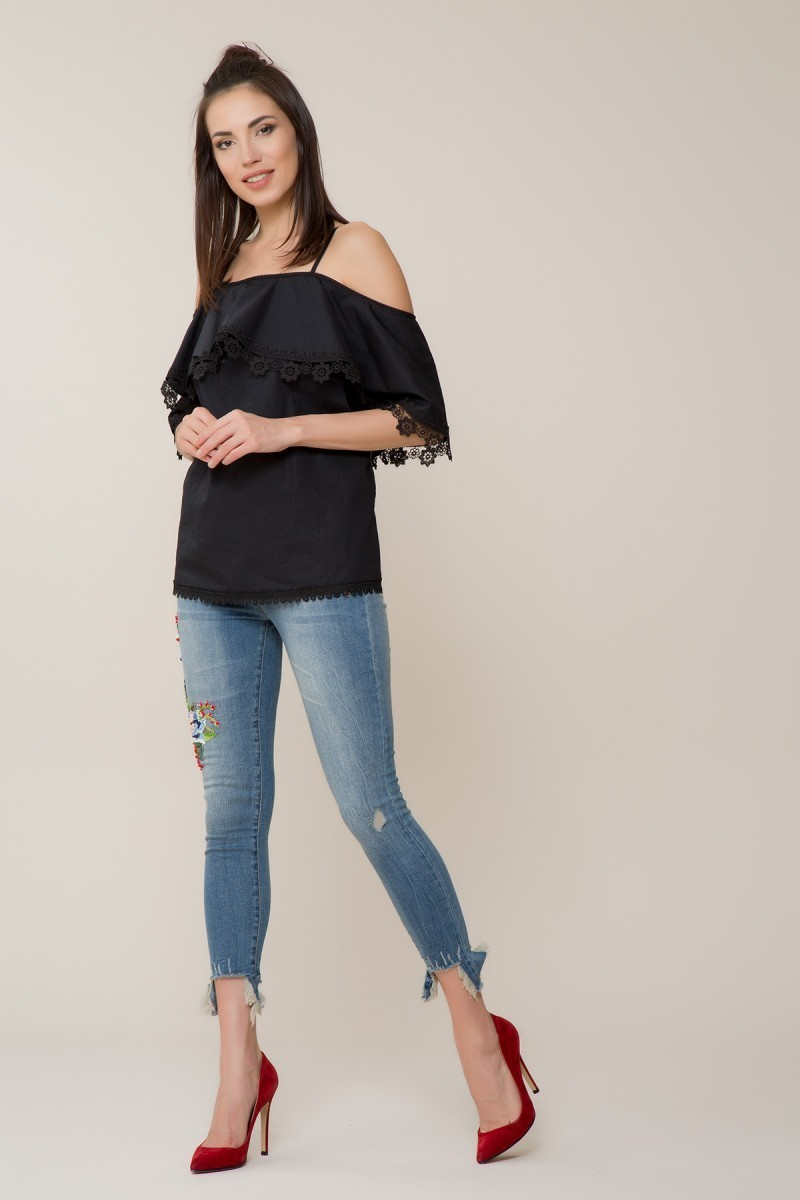 Guipure Detailed Black Blouse
