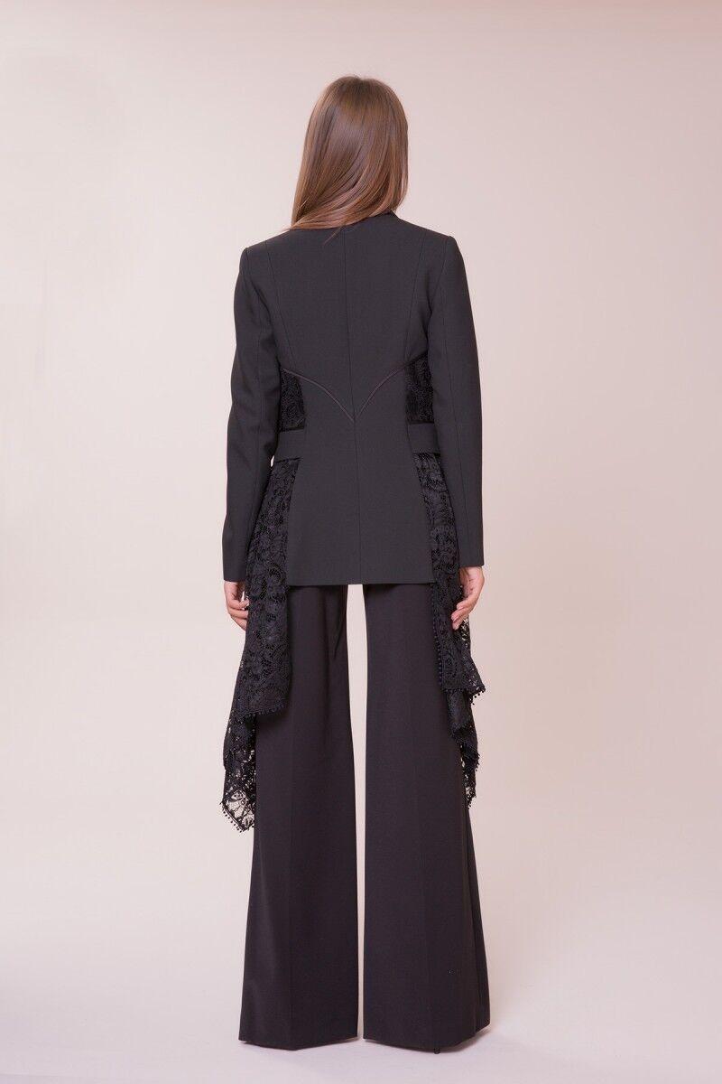 Güpür Detaylı Siyah Ceket