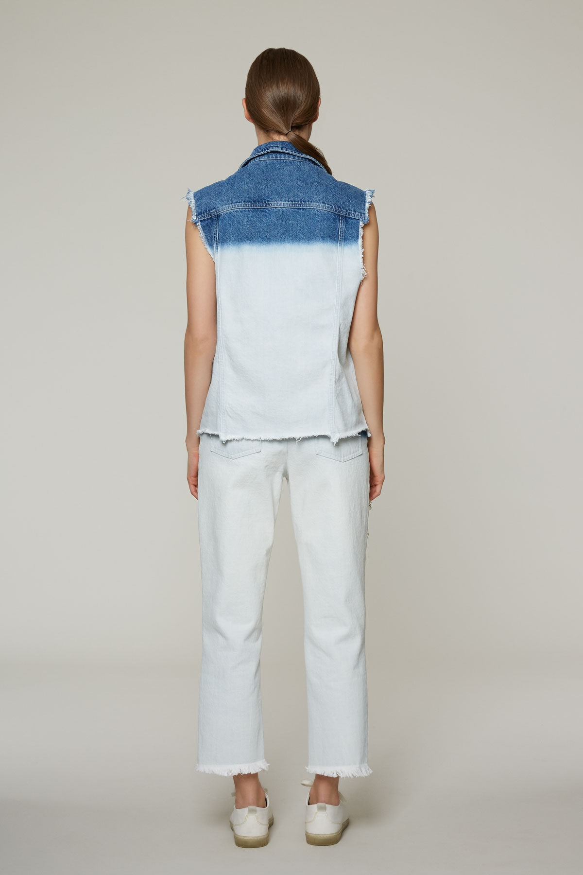 İki Renk Yıkamalı, Taş İşlemeli Jean Pantolon